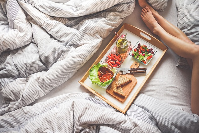 zdravé raňajky v posteli